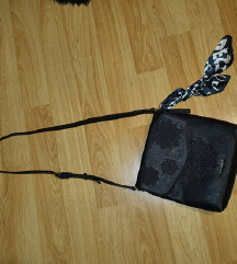 Desigual torbica SNIŽENO