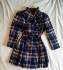 Karirani ženski kaput