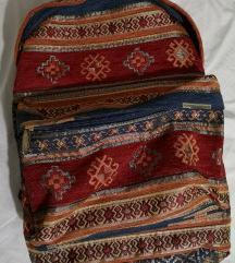 Šareni ruksak