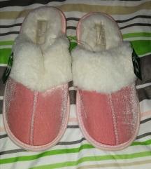 Roze tople podstavljene papuče vel 35-35.5