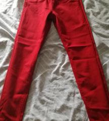 Nove traperice crvene