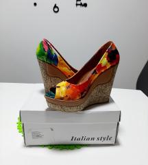 Cvjetne cipele na punu petu, br. 39