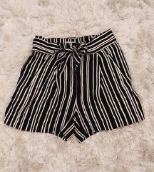 H&M paperbag shorts šorc kratke hlače prugaste
