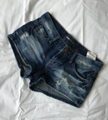 New Yorker kratke hlačice