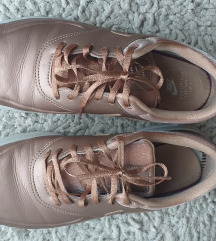 Nike tenisice br. 41
