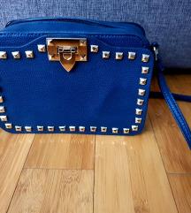 Tamnoplava mala torbica s ukrasima