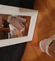 🌸Beige sandale na petu🌸