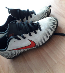 Nike kopačke  veličina 33.5