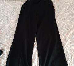 Široke crne hlače