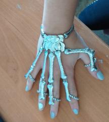 Narukvica i prstenje kostur ruka