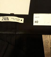 Nove Zara Chino fit crne hlace.uklj.slanje
