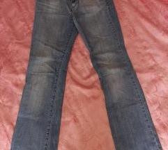 Ženske hlače - traperice Amadeus