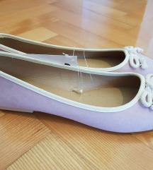 Nove balerinke sa etiketom
