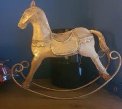Ukrasni konjic