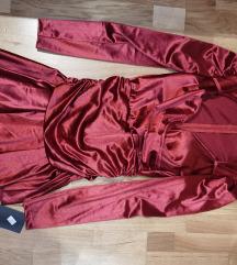Crvena satin haljina