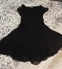 Lepršava crna haljinica