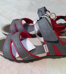 Odlicne decathlon nenosene sandale.37