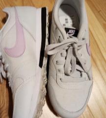 Nike tenisice 23, 5 cm Snizeno na 80 kn