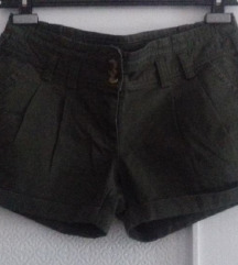 Malinastozelene  kratke hlače