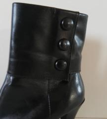 Divne crne čizme od prave kože - BATA br 36