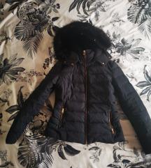Zara zimska pernata jakna