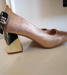 Nove cipele iz massa