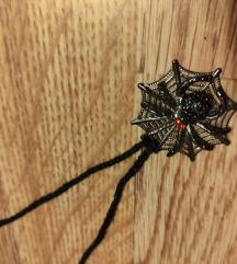 Ogrlica s privjeskom pauka na mreži