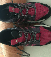 Adidas 39 1/3 samo vikend 250 kn