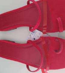 Nove sandale Bershka