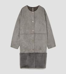 Zara kaput sa umjetnim krznom
