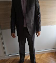 Odijelo vel S gratis 2 košulje