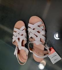 Zara nove sandale vel.35