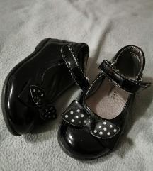 Lakirane cipelice 21