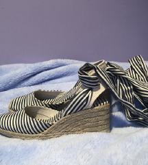 Zara prugaste špagerice na vezanje sandale 37
