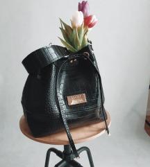 SNIZEN DO PETKA!!! Crni kroko bucket bag Mon Art