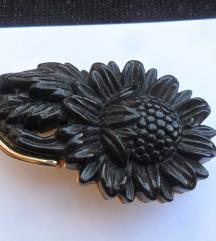 Vintage Crni cvijet broš