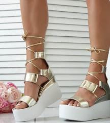 Sandale s platformom