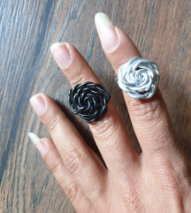 Crni i sivi pleteni prsten