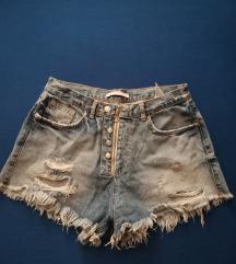 Zara traper kratke hlače