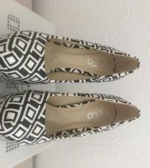 Cipele na visoku potpeticu