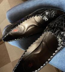Kozne lakirane cipelice vel 40
