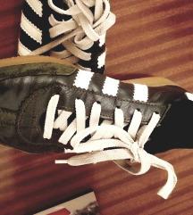Adidas universal