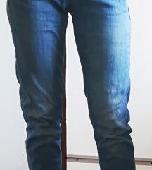 RJEŠAVANJE ZALIHA-Boyfriend jeans traperice