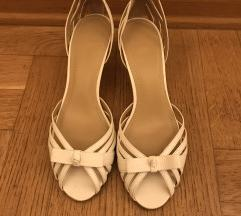 % Zara bijele sandale %