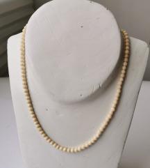 Ogrlica od slonovače 1