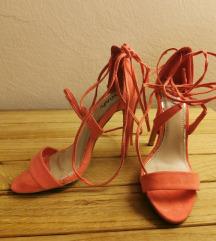 Sandale na vezanje oko noge boja breskve