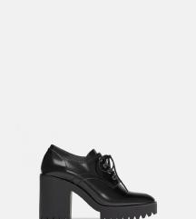 Cipele s potplatom