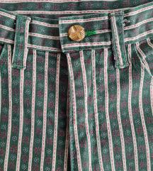 Vintage hlace