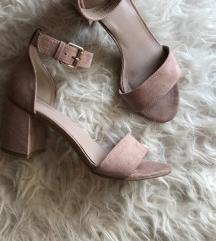 Nove baršunaste sandale s remenom