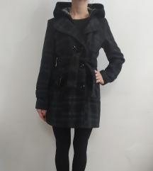 Karirani kaput sa kapuljačom